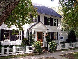 Hamptons-Exterior-300x225